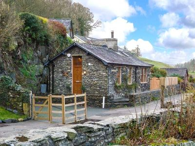 Photo for THE LODGE, pet friendly, with hot tub in Newby Bridge, Ref 911747