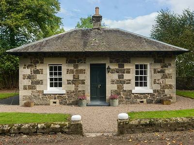 Photo for LODGE, romantic, luxury holiday cottage in Auchtermuchty, Ref 917991