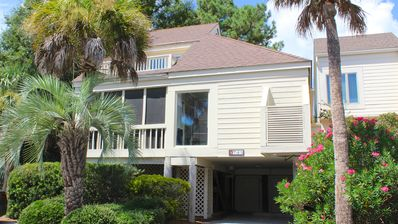 Photo for Renovated, Professional Decorated Townhome! Walk to Amenities! Pet Friendly!