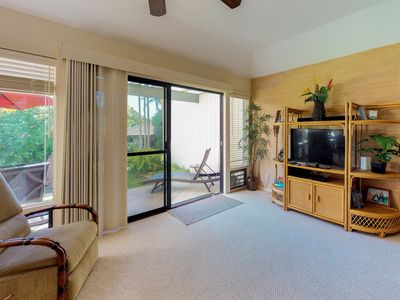 Photo for Cozy condo w/shared pool, hot tub, & tennis-walk to the beach