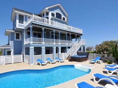 Photo for Tavern On The Greens: 6 BR / 5 BA house in Corolla, Sleeps 20
