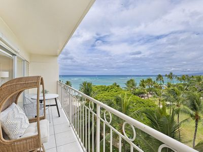 Photo for Beachfront 1 Bedroom at Waikiki Shore