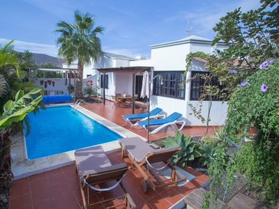 Photo for Beautiful villa with private heated pool close to the beach with Wi-fi