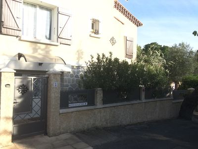 Photo for MONTPELLIER F1 quiet apartment, independent garden in villa