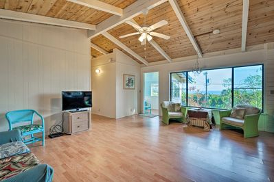 This vacation rental boasts an open living space, 2 bedrooms, and 1.5 baths.