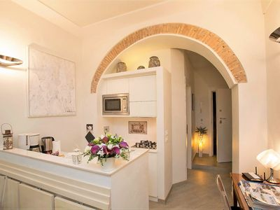 Photo for Charming Apartment Beatrice in the heart of Rome AC Wifi