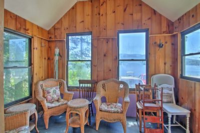 Enjoy your morning coffee in the sunroom and gaze out at the lake.