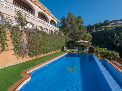 Photo for Club Villamar - Precious villa located in a very quiet area, surrounded by nature and offers a nice private pool with salt water, a large terrace with barbecue and ping pong table