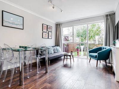 Photo for Quirky 2 Bed South Bank & Westminster