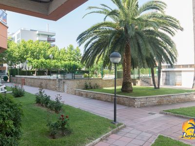 Photo for Apartment with communal pool near the tourist area of Salou.