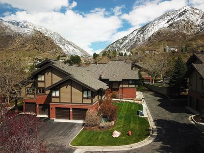 Nestled at the base of the Cottonwood canyons. Convenient to play or work.