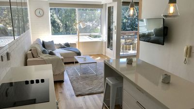 Photo for 1BR Apartment Vacation Rental in South Melbourne, VIC