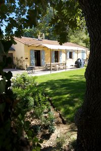 Photo for 5BR Bungalow Vacation Rental in L'Isle-sur-la-Sorgue