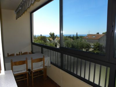 Photo for 2 Room Apartment 49 m² Air-conditioned + Terrace. Sea view, near beach Renecros.