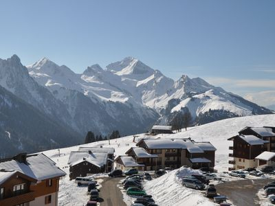 Photo for Charming and cozy apartment with superb views of the Aravis!