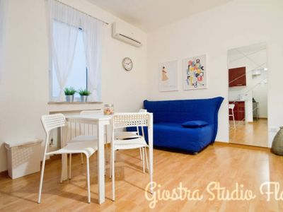 Photo for Carousel - Super Central Studio Flat (Flex Check-in)