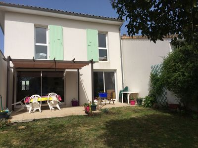 Photo for House of 2004 fully equipped with enclosed garden, very quiet, 400m from the beach