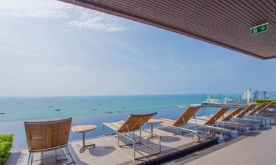 Photo for A Deluxe 1 Bedroom Pattaya Downtown with Infinity Pool