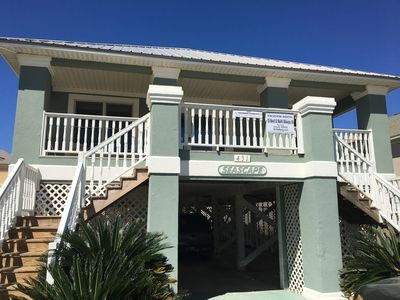 Photo for Conveniently located between beach & community pools, tennis court; dog friendly