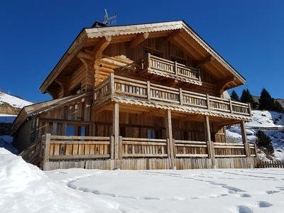 Photo for Beautiful Chalet fustes Old wood