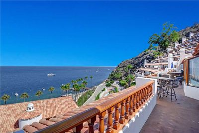 BALCONY TO OCEAN VIEW RIGHT