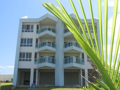 Photo for Beautiful apartment on the beach, balcony w / BBQ, facing the sea.