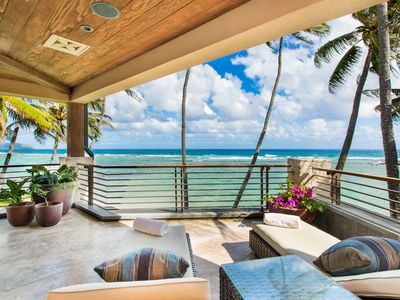 Luxury Private Oceanfront Estate w/Pool, A/C,& Open Concept living. Banyan House