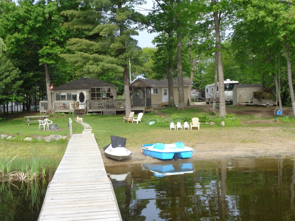 for canada cottages ontario rentals barrie rent cottage fernglen watrfront families magnetawan rooms in great