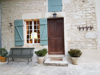 Photo for Charming renovated farmhouse in Burgundy, near Vezelay.