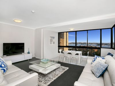 Photo for Ultra Convenient Spectacular Harbour Views RANG2
