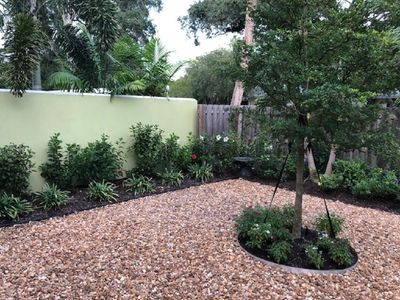 Photo for Beautifully decorated 1bdrm carriage house - 8 min walk to downtown Sarasota