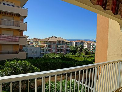 Photo for One bedroom Apartment, sleeps 4 in Fréjus with WiFi