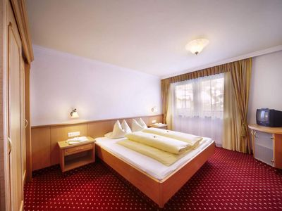 "Photo for Double room ""Granat"" - Tauernblick, Emerald Hotel"