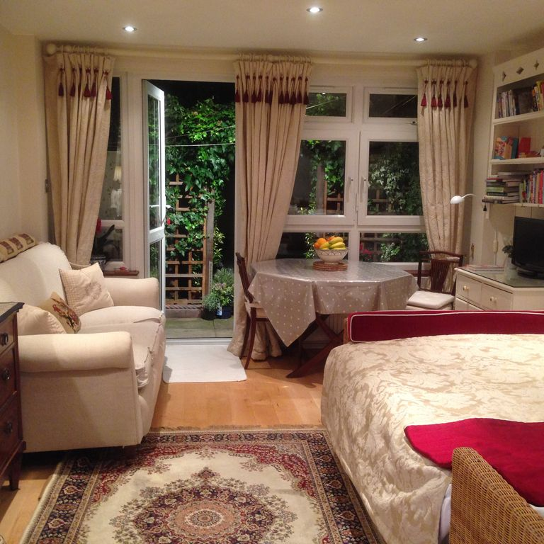 Studio Apartment London hammersmith holiday apartment: cozy cottage, 1br/ba studio apt