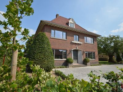 Photo for Magnificent mansion for 14 people with large garden in beautiful Peer.