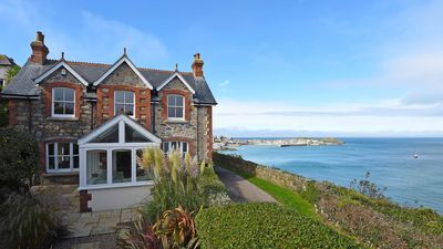 Photo for Fabulous & stylish cliff top house in St Ives, parking, short walk to beach