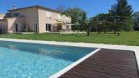 Home on outskirts of. Avignon