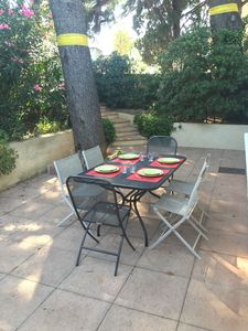 Photo for Beautiful villa T3 with terrace, heart of Sanary, all on foot, parking, wifi