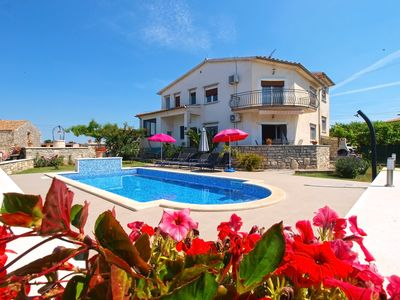 Photo for Holiday apartment Galizana for 6 - 8 persons with 3 bedrooms - Holiday apartment
