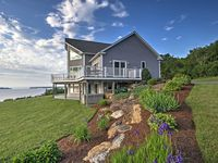 Great house with lake view