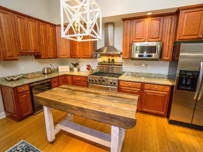 Photo for Comfortable Home walking distance to Downtown Beaufort