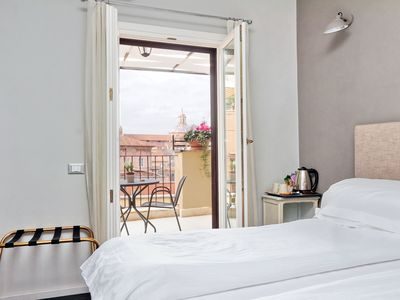 Photo for Cancelleriadieci-Double bedroom with terrace-Rome Centre
