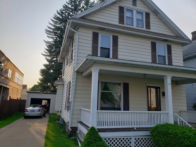 Super affordable! entire house!Right in town 2 Mi.to Bon. 1.5hr Niagara Falls