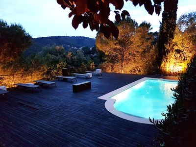 Photo for Spacious villa with pool and large garden, 5 minutes walk from the beach