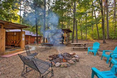 'Stormy Ridge' is the vacation rental cabin of your dreams!