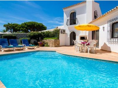 Photo for 2 bedroom Villa, sleeps 4 in Vale do Garrao with Pool and Air Con