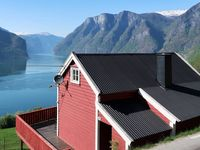Breathe taking views. Quaint house, just the right size for a couple getting away.