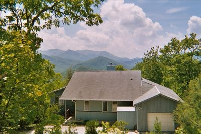Perfect privacy for 1-6 people.  Only home at this elevation (4200').