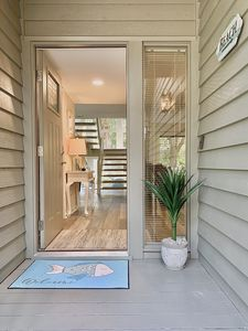 Photo for Coastal Chic at Inland Harbour - renovated 2 br/2ba - in the heart of Sea Pines!