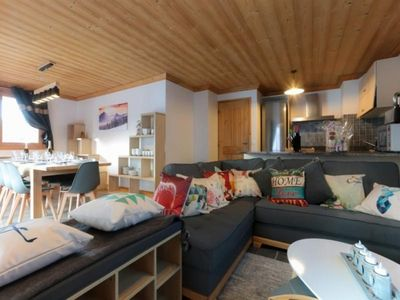 Photo for Apartment Val Thorens, 5 bedrooms, 10 persons
